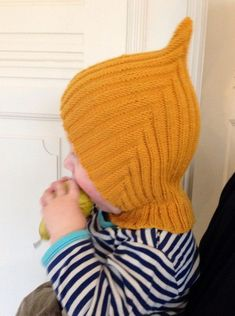 cute and practical hat called, Pixie-hue,. Baby Hats Knitting, Knitting For Kids, Baby Knitting Patterns, Baby Patterns, Free Knitting, Knitting Projects, Knitted Hats, Crochet Baby, Knit Crochet