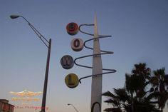 Bowl Googie Sign, photo by Dan Statler