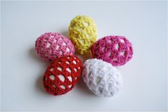 Use the granny stitch to jazz up your Easter egg designs this year! These Granny Crochet Easter Eggs work up really fast and will look so cute in your Easter basket! With this free crochet pattern, Easter will be a much more cozy affair. Easy Crochet Projects, Crochet Crafts, Yarn Crafts, Free Crochet, Crochet Ideas, Yarn Projects, Crochet Granny, Crochet Designs, Easter Egg Pattern