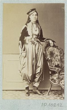 Portrait of a Greek woman in Constantinople (or woman rum) Sebah Pascal Paris, Musée Guimet - National Museum of Asian Art Ottoman Turks, Old Greek, Art Asiatique, Cultural Identity, Photographs Of People, Grand Palais, Ottoman Empire, National Museum, Byzantine
