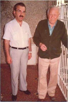 Isaac Grinberg foi jornalista, escritor e historiador, escreveu 11 livros à respeito de Mogi. Na primeira foto entrevistando Getúlio Vargas, na segunda Walt Disney, e na última com Alfredo Volpi, quando o pintor mantinha uma casa aqui na cidade.  O Arquivo Histórico Municipal leva seu nome.