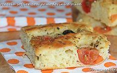 Focaccia morbida con pomodorini e olive