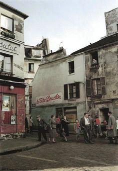 Le Tire Bouchon et Le Consulat - Montmartre, Paris 1954-1955, Ihei Kimura - vintagefrance24