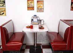 Want!!! Might actually work in my kitchen.-- Your kitchen needs a retro diner booth! | Offbeat Home