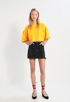 ¡Consigue este tipo de falda vaquera de Topshop ahora! Haz clic para ver los detalles. Envíos gratis a toda España. Topshop Falda vaquera washedblack: Topshop Falda vaquera washedblack Ofertas   | Material exterior: 100% algodón | Ofertas ¡Haz tu pedido   y disfruta de gastos de enví-o gratuitos! (falda vaquera, vaquera, denim, jeansrock, falda denim, jupe en jean, gonna in jeans, vaqueras)