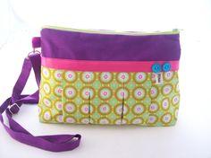 sacs,sac bandouliere plissé en toile violet et tissu imprimé vert anis graphique,sac a main plissé a bandouliere en tissu vert : Sacs bandoulière par tchai-walla