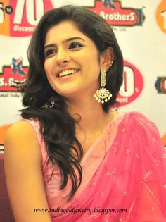 Indian Gold and Diamond Jewellery: Deeksha seth in Designer Ear rings at RS Brothers show room Kundan Bangles, Ruby Bangles, South Actress, South Indian Actress, Deeksha Seth, Cute White Dress, Headpiece Jewelry, Bollywood Actress