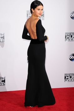 Selena Gomez In Giorgio Armani Prive At The AMAs 2014
