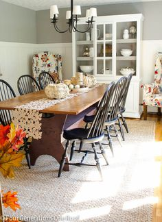 Love this fall dining room - Four Generations One Roof Fall Home Tour 2013 Dining Room Sets, Dining Room Design, Up House, House Art, Farm House, Dining Room Inspiration, Home And Deco, Autumn Home, House Tours
