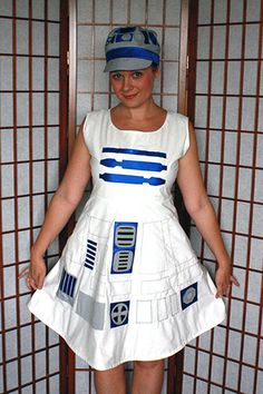R2D2 Dress Tutorial.  I was going to put this on my Halloween board, but I would wear this all the time!!