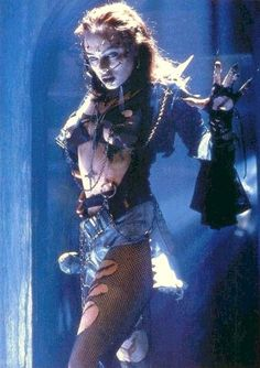 Melinda Clarke in RETURN OF THE LIVING DEAD 3