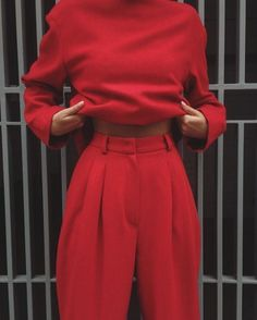 Red Fashion Outfits, Christmas Fashion Outfits, Red Outfits For Women, Christmas Ootd, Fashion Themes, Christmas Clothes, Fashion Fashion, Christmas Jumpers, Hot Outfits