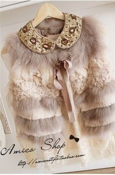 ❣❣❣❣ Funky Fashion, Gothic Fashion, Kids Fashion, Fashion Outfits, Womens Fashion, Fur Skirt, Fur Coat Fashion, Fur Clothing, Fur Bag