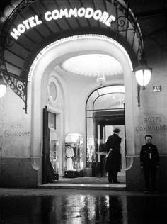 Hotel Commodore - Paris - 1930's - photographer Pierre Jahan.
