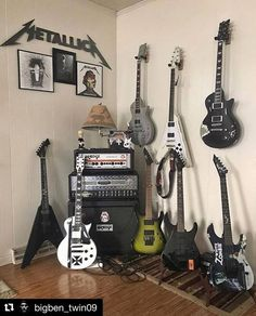 Com o Curso de Guitarra Online, você vai aprender técnicas para tocar guitarra rapidamente. Um incrível material para iniciantes e avançados. Estude sem sair de casa, e aprenda rápido e estude quando você puder. Curso de Guitarra Online, não perca esta oportunidade, comece já e impressione seus amigos e realize seu sonho.  #aprender a tocar guitarra #como tocar guitarra #curso de guitarra completo #curso de guitarra online #guitarra para iniciantes #melhor curso de guitarra #guitarra