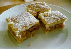 Falusi almás pite Hungarian Cake, Hungarian Recipes, Hungarian Food, No Bake Desserts, Healthy Desserts, Graham Crackers, Apple Pie, Food To Make, Cake Recipes