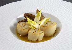Recette de noix de Saint-jacques, endives cuites et crues par Alain Ducasse