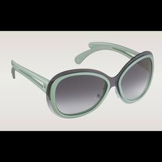 c740c3cdc8a Authentic NEW LOUIS VUITTON sunglasses Flore New with box. Authentic. Flore  oversized sunglasses in