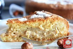 TORTA CON CREMA ALLA NOCCIOLA http://www.ricettemania.it/ricetta-torta-con-crema-alla-nocciola-14117.html