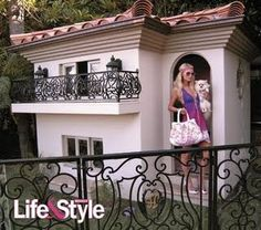Paris Hilton's Dogs' House