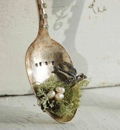 We& Build a little NEST * Shabbiest of chic * Silver plate spoon decoration using seed pearls and assemblage art * DIY How-To * Photo Inspiratio. Silverware Jewelry, Spoon Jewelry, Cutlery, Jewelry Necklaces, Shabby Chic Homes, Shabby Chic Decor, Rustic Decor, Crafts To Make, Arts And Crafts