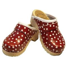 Clogs, available at www.nordliebe.com