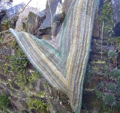 Downsizer: for a sustainable & ethical future - Really Easy Triangular Shawl
