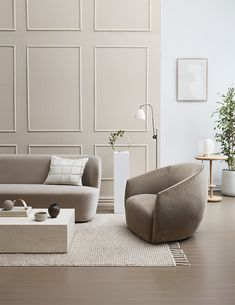 Dulux colour ambassadors Michelle Halford and Evie Kemp share neutral and bold interior looks using paint and colour to stylish effect. Home Living Room, Room Design, Living Room Furniture, Interior, House Styles, Home Decor, House Interior, Interior Design, Living Room Designs