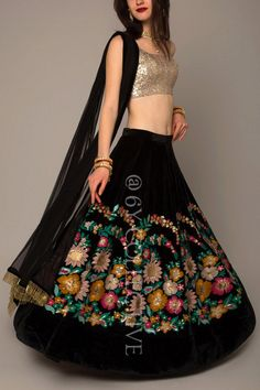Looking for some wedding resort wear outfits on a budget? Check out these gorgeous Lehengas Resort Wedding that are perfect for a 2018 wedding. Indian Gowns Dresses, Indian Fashion Dresses, Indian Designer Outfits, Ethnic Fashion, Floral Lehenga, Bridal Lehenga Choli, Black Lehenga, Choli Designs, Lehenga Designs