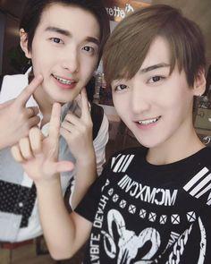 10102015 @Baozi&Hana [TW] Today is Moemoeday ~ because 十月十日=萌 XD~ happy Moemoeday with us moemoe family >3< 祝萌萌家族的大家卖萌节快乐