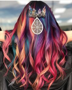 The most glamorous colored hair Are you ready to be glamorous with your colorful hair? The colored hair colors will not fall off trend lists this year! Pretty Hair Color, Beautiful Hair Color, Pulp Riot Hair Color, Bright Hair, Colorful Hair, Hair Dye Colors, Coloured Hair, Creative Hairstyles, Pretty Hairstyles