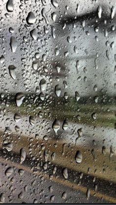 Raindrops on mirror. By Destiny Richards.