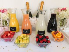 A colorful and glam DIY mimosa bar brunch! Perfect for a celebration 🎉 brunch for a bridal shower ! Brunch Party Decorations, Brunch Decor, Brunch Bar Ideas, Brunch Buffet, Breakfast Buffet, Breakfast Casserole, Birthday Brunch, Easter Brunch, Birthday Breakfast