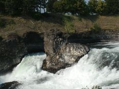 Tina and I are in Spokane, WA. for the National Auctioneer's Association Conference and Show. I am helping with the Graduate Personal Property course today with Rich Shure, and Tim Luke. This is a cool waterfall down by park in the city center.