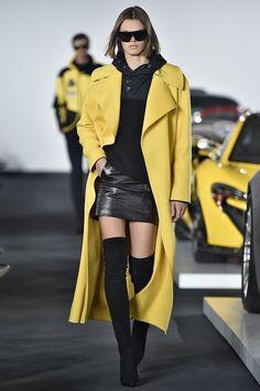 イエロードレスが眩しい!人気モデル『ジジ・ハディット』メイベリンの英イベントに登場♡