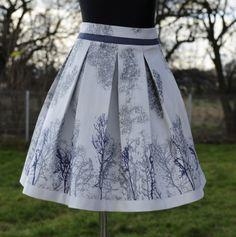 falda de pliegues