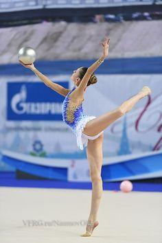 Arina Altushkina, Russia, 2015 Gymnastics Poses, Gymnastics Photography, Gymnastics Pictures, Sport Gymnastics, Artistic Gymnastics, Rhythmic Gymnastics Leotards, Ballet Class, Ballet Dance, Flexy Girls