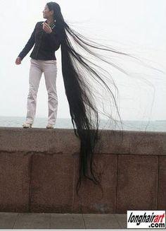 Der hat sogar für mein Rapunzelboard ZU lange Haare XD
