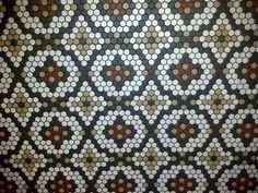 This is a floor. Paper Piecing Patterns, Tile Patterns, Millefiori Quilts, Yo Yo Quilt, Hexagon Quilt, English Paper Piecing, Quilting Designs, Quilt Blocks, Sewing Projects