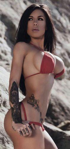 Babe tattoo bikini