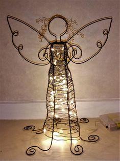 Juleengler med lyslenke inni Table Lamp, Home Decor, Table Lamps, Decoration Home, Room Decor, Home Interior Design, Lamp Table, Home Decoration, Interior Design