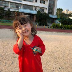 i'm the sexy girl you wanted. Cute Asian Babies, Korean Babies, Asian Kids, Cute Babies, Cute Little Baby, Cute Baby Girl, Little Babies, Baby Kids, Cute Korean