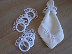 Tatting Patterns, Bracelet Patterns, Crochet Patterns, Needle Tatting, Tatting Lace, Quilt Corners, Crochet Christmas Decorations, Crochet Hair Accessories, Lace Ring
