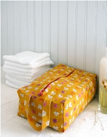 Tutorial: Zippered boxy toiletry bag · Sewing