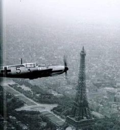 Luftwaffe on Paris Ww2 Aircraft, Fighter Aircraft, Military Aircraft, Fighter Jets, Luftwaffe, Ww2 Planes, Military Pictures, War Photography, Battle Of Britain