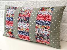 Scrappy Liberty lawn fabric pillow tutorial