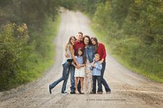 carrollton family photography of a big family on a dirt road