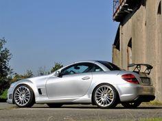 Mercedes Benz Slk, Mercedes Benz Sports Car, Sl Logo, Classic Mercedes, Maybach, Small Cars, Retro Cars, Station Wagon, Race Cars