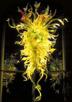"""Dale Chihuly  NEPENTHES CHANDELIER, 2004  9'3"""" X 5'8"""" X 4'6""""  CHIHULY IN THE GARDEN, MAY 1 – DECEMBER 31, 2004  ATLANTA BOTANICAL GARDEN  ATLANTA, GEORGIA"""