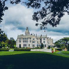 Doesn't look amazing since it reopened in I love filming weddings here. Adare Manor, Luxury Wedding Venues, Ireland, Weddings, Mansions, My Love, House Styles, Amazing, Instagram